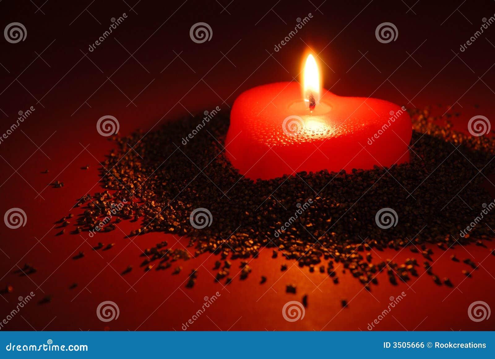 Une bougie romantique image libre de droits image 3505666 for Une fenetre une bougie