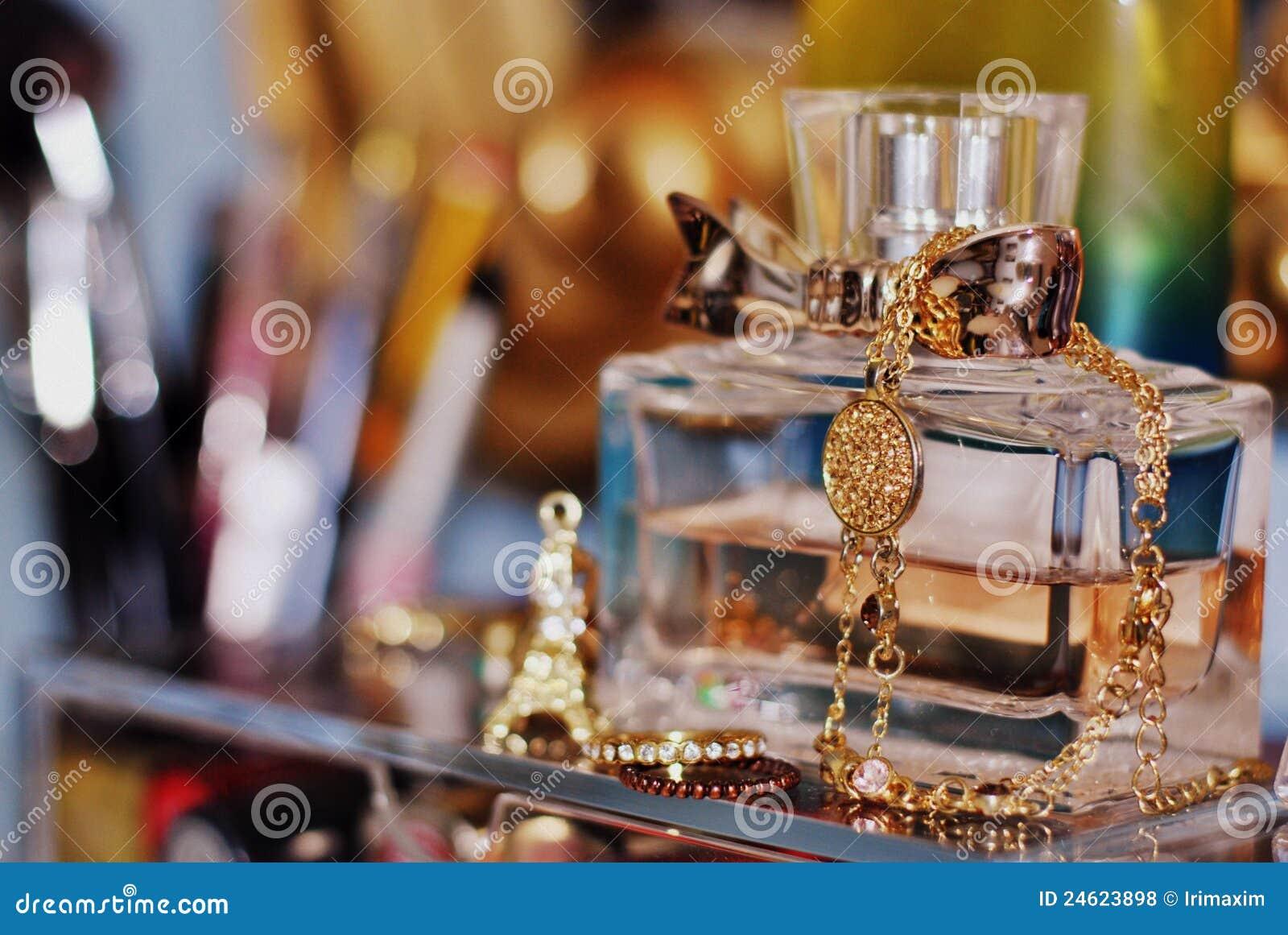 Une bouteille de parfume