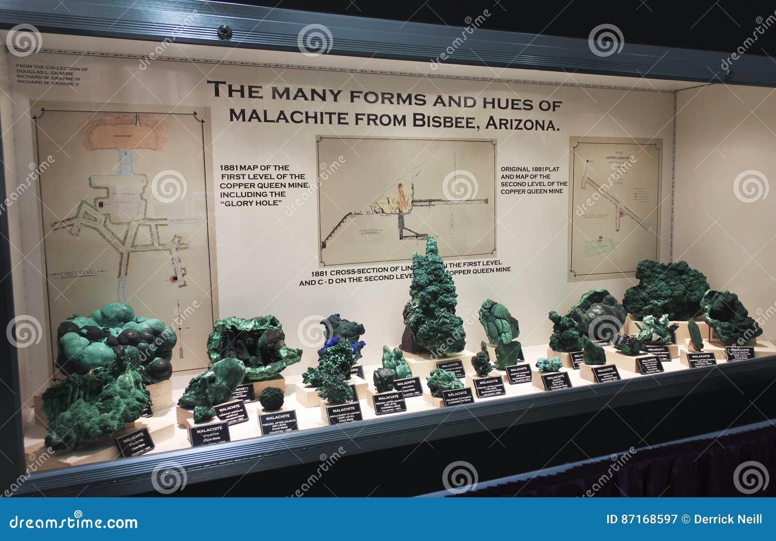 Une collection de malachite à la gemme de Tucson et à l exposition minérale