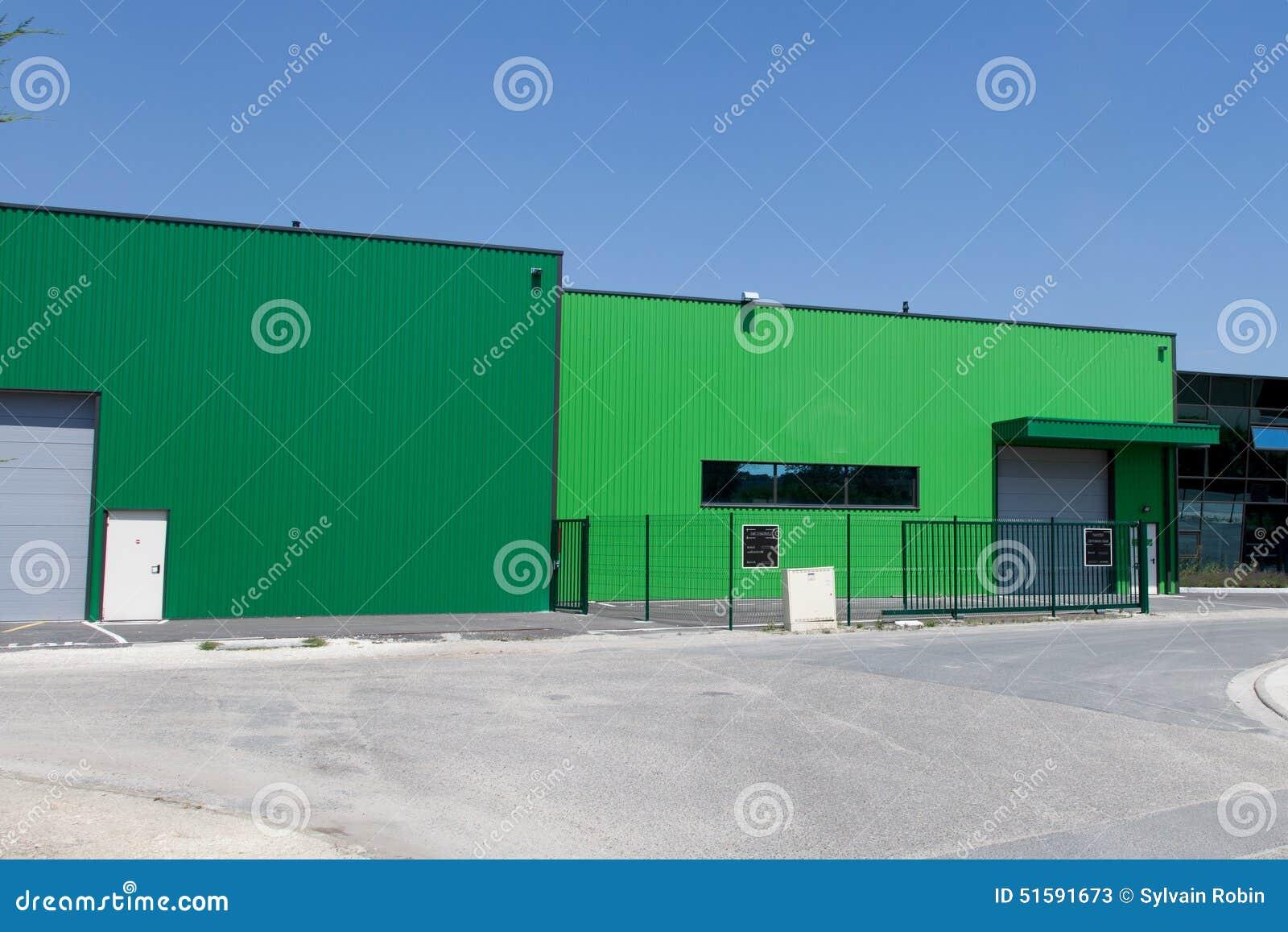 une couleur moderne industrielle de bâtiment image stock - image du