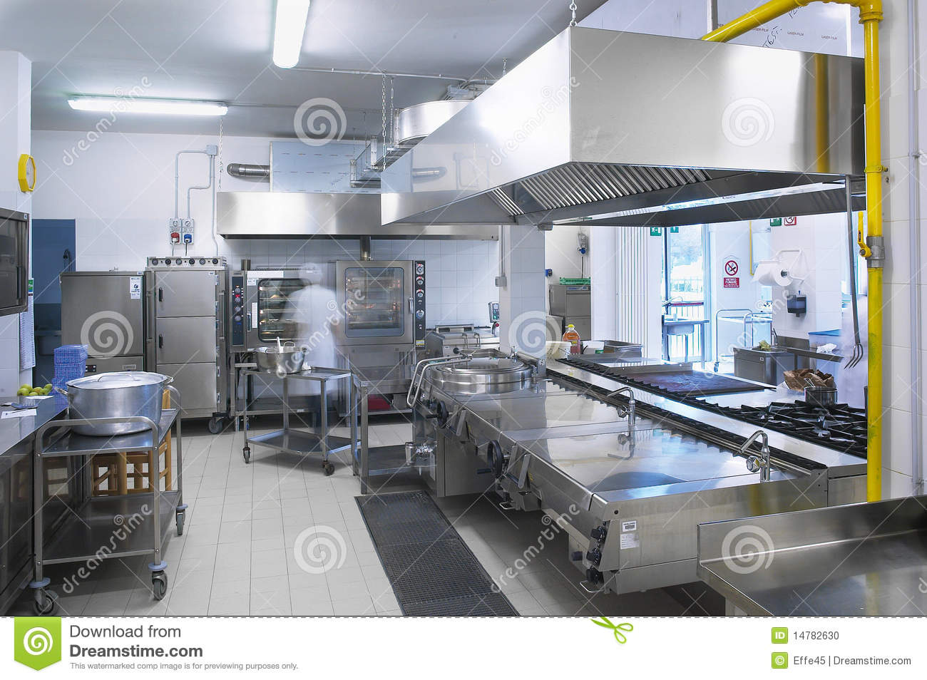 Une cuisine d 39 un restaurant photo stock image 14782630 for Amnagement d une cuisine