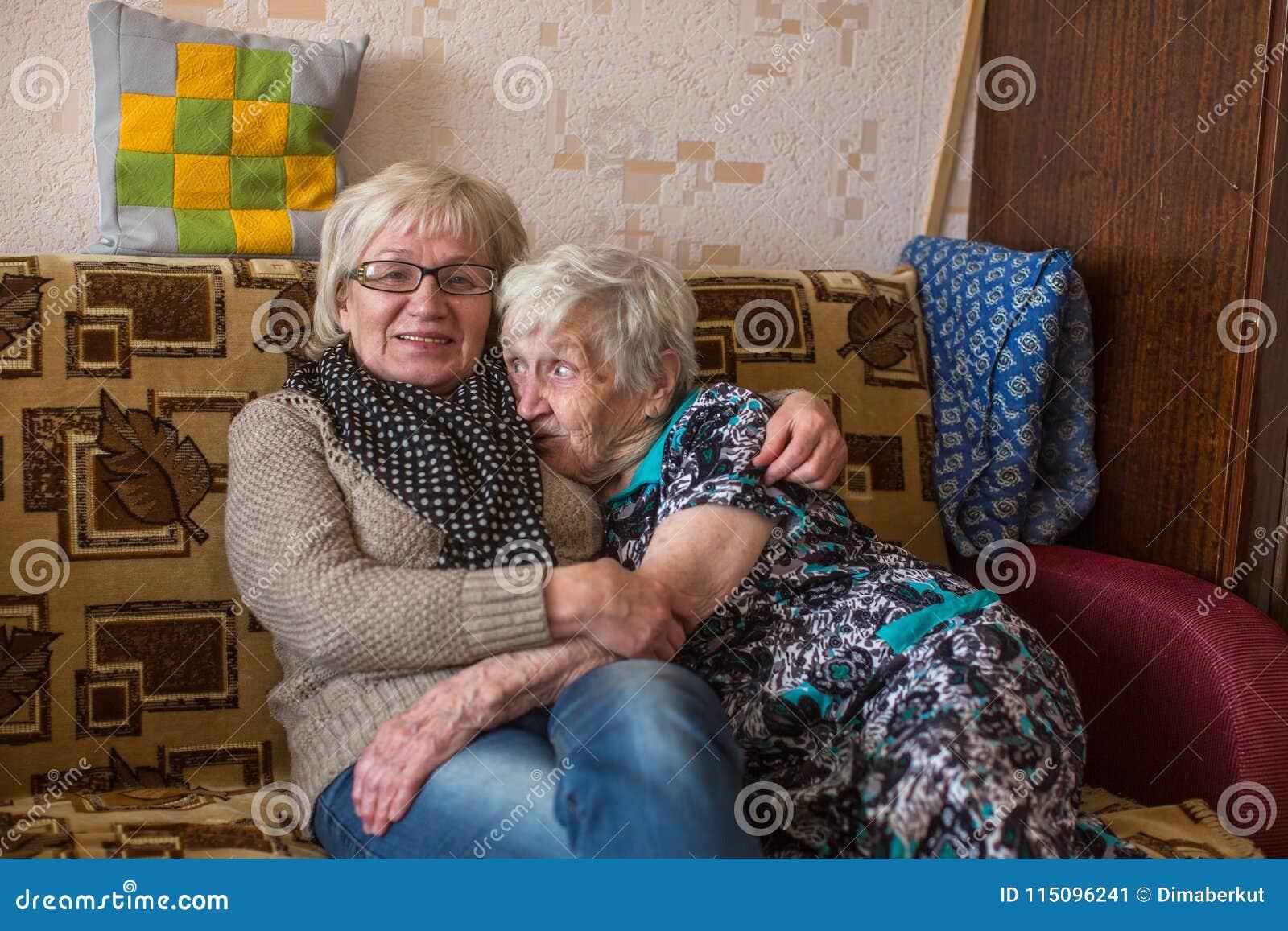 Femme agee faisant l amour [PUNIQRANDLINE-(au-dating-names.txt) 51