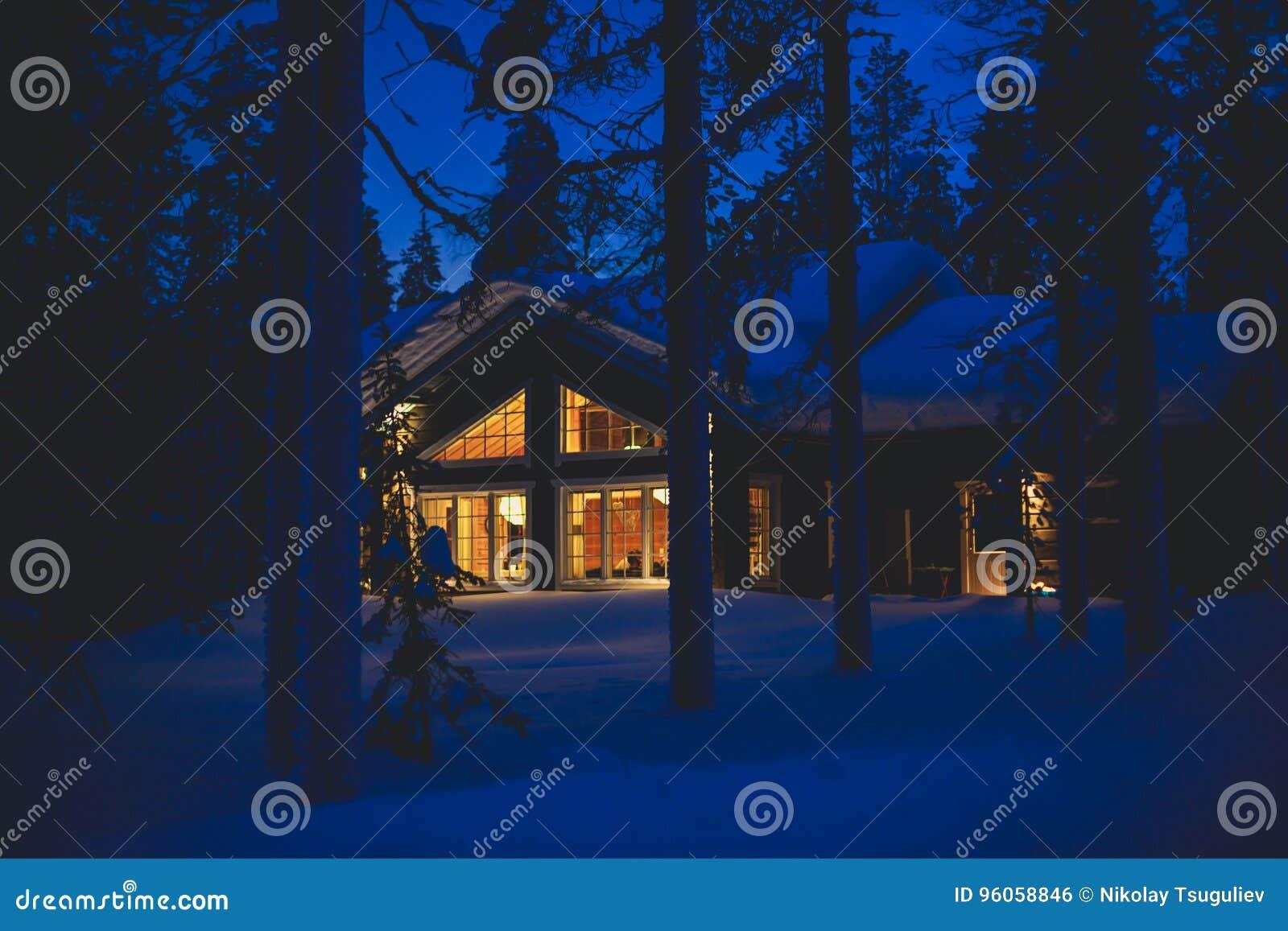 Une maison confortable de chalet de cottage près de station de sports d hiver en hiver
