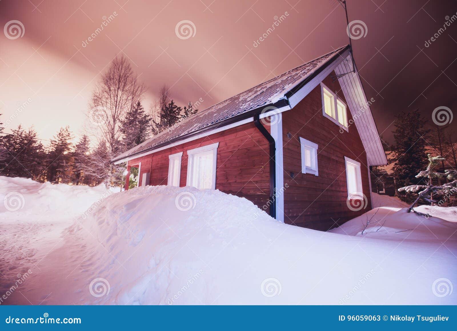 Une maison en bois confortable de chalet de cottage près de station de sports d hiver en hiver