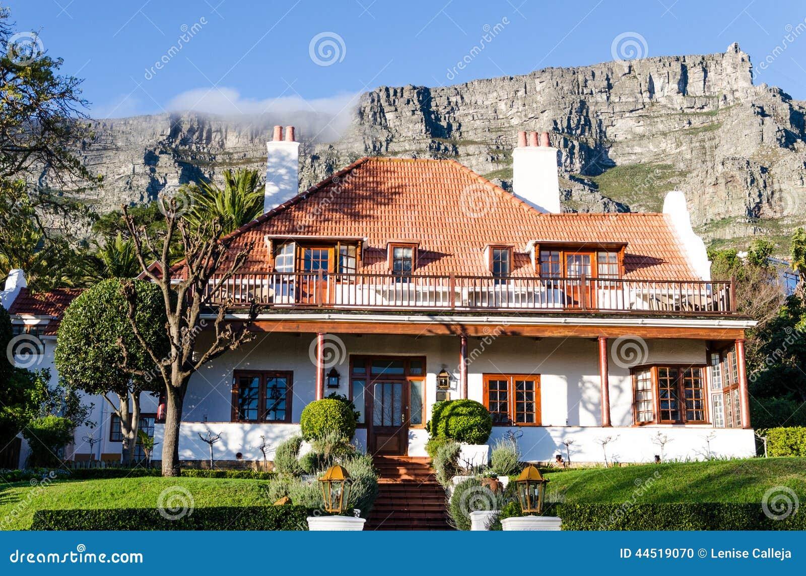 une maison typique cape town afrique du sud photo stock image 44519070. Black Bedroom Furniture Sets. Home Design Ideas