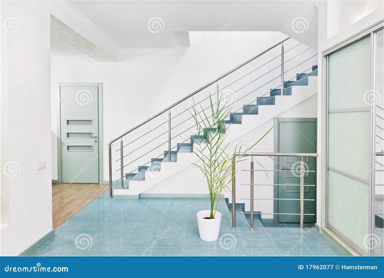Une partie d 39 int rieur moderne de hall avec l 39 escalier en m tal photographie stock libre de - Modele escalier interieur moderne ...