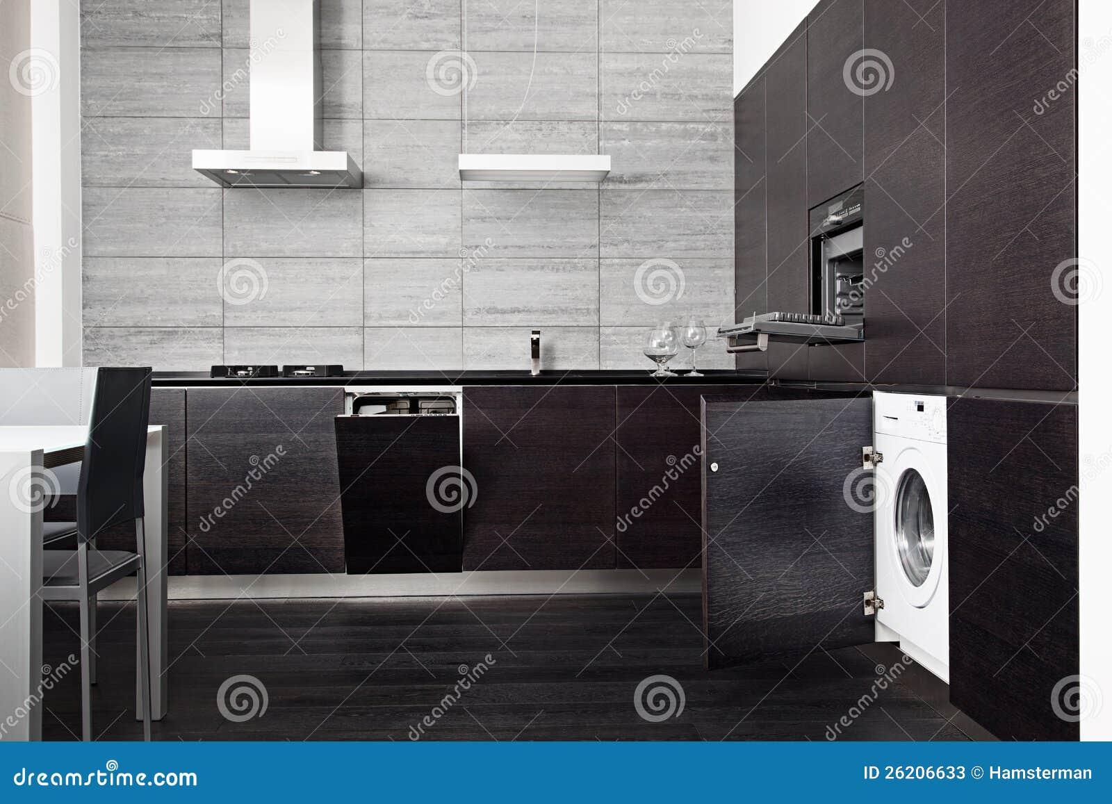 une partie de cuisine noire de bois dur image stock - image du