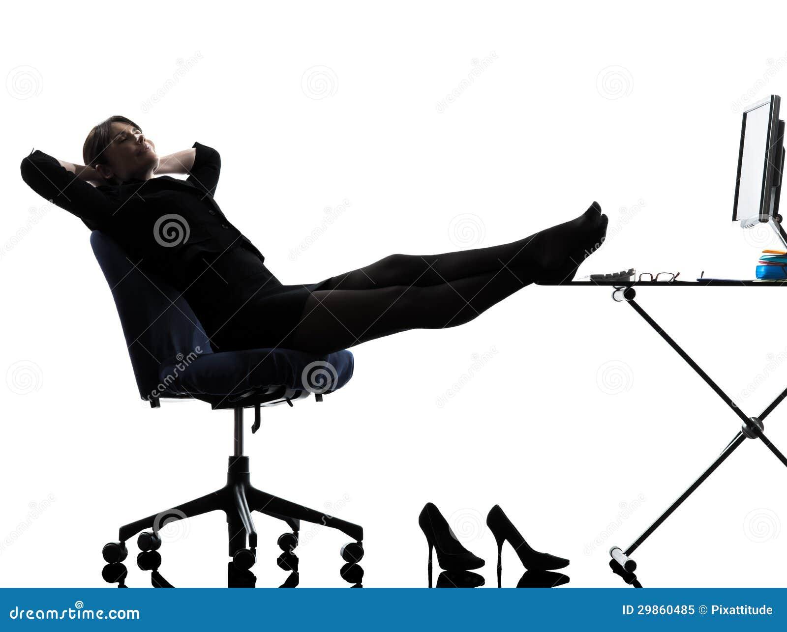 Silhouette de pause de détente de femme d affaires