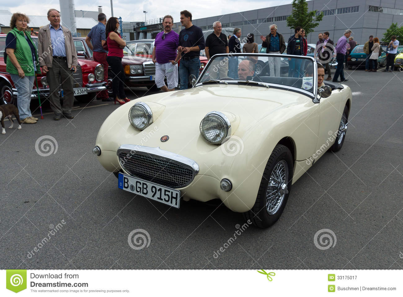 une petite voiture de sport ouverte austin healey sprite mark i photographie ditorial image. Black Bedroom Furniture Sets. Home Design Ideas