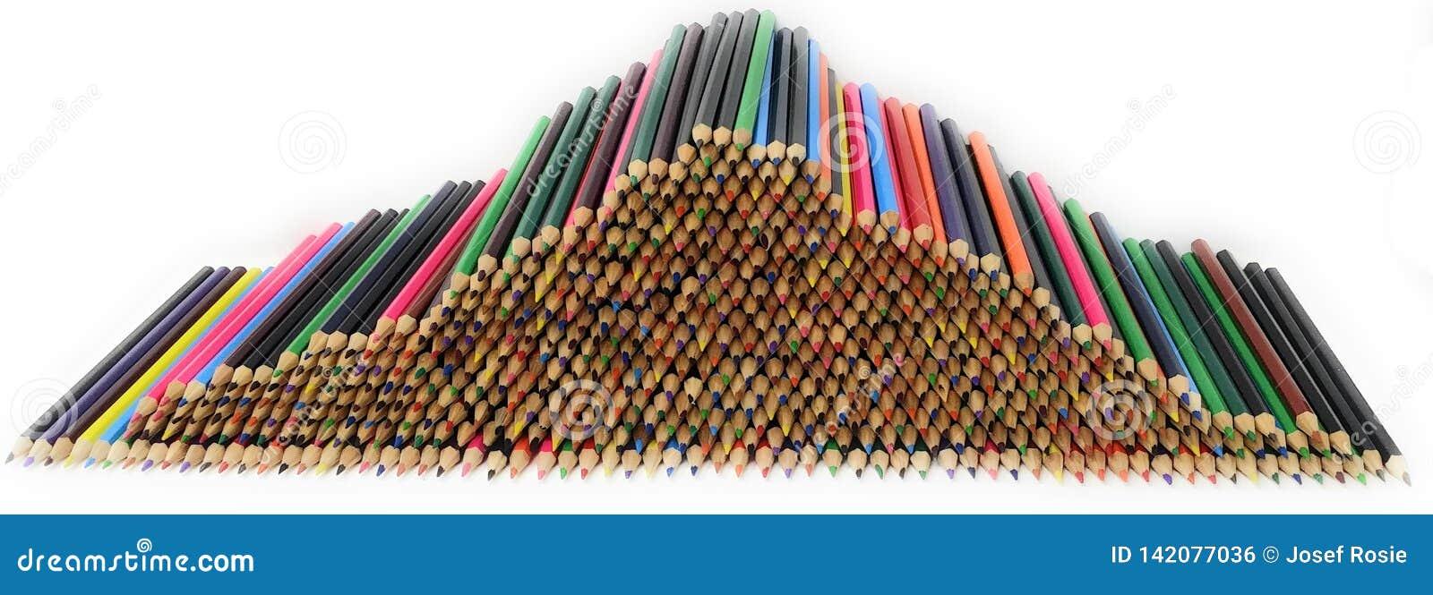 Une pile des crayons colorés