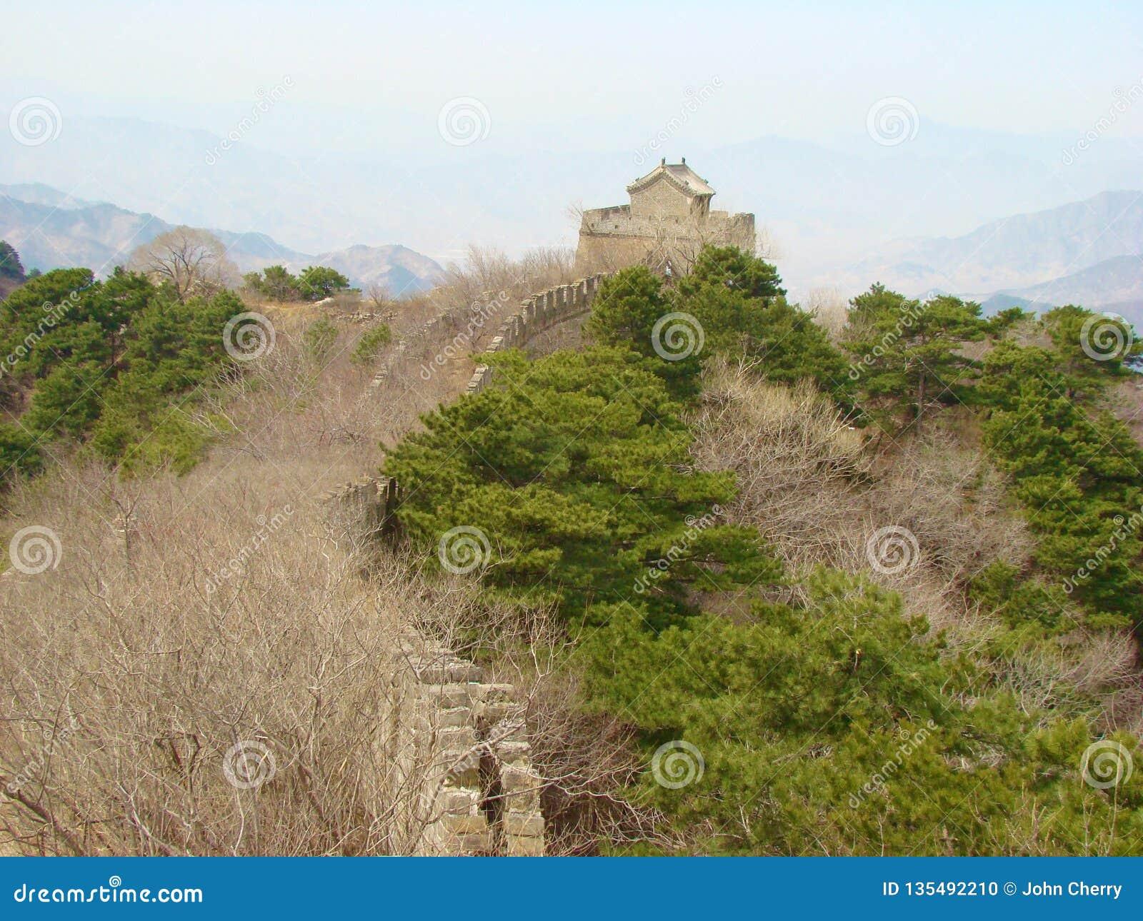 Une section non restaurée de la Grande Muraille de la Chine