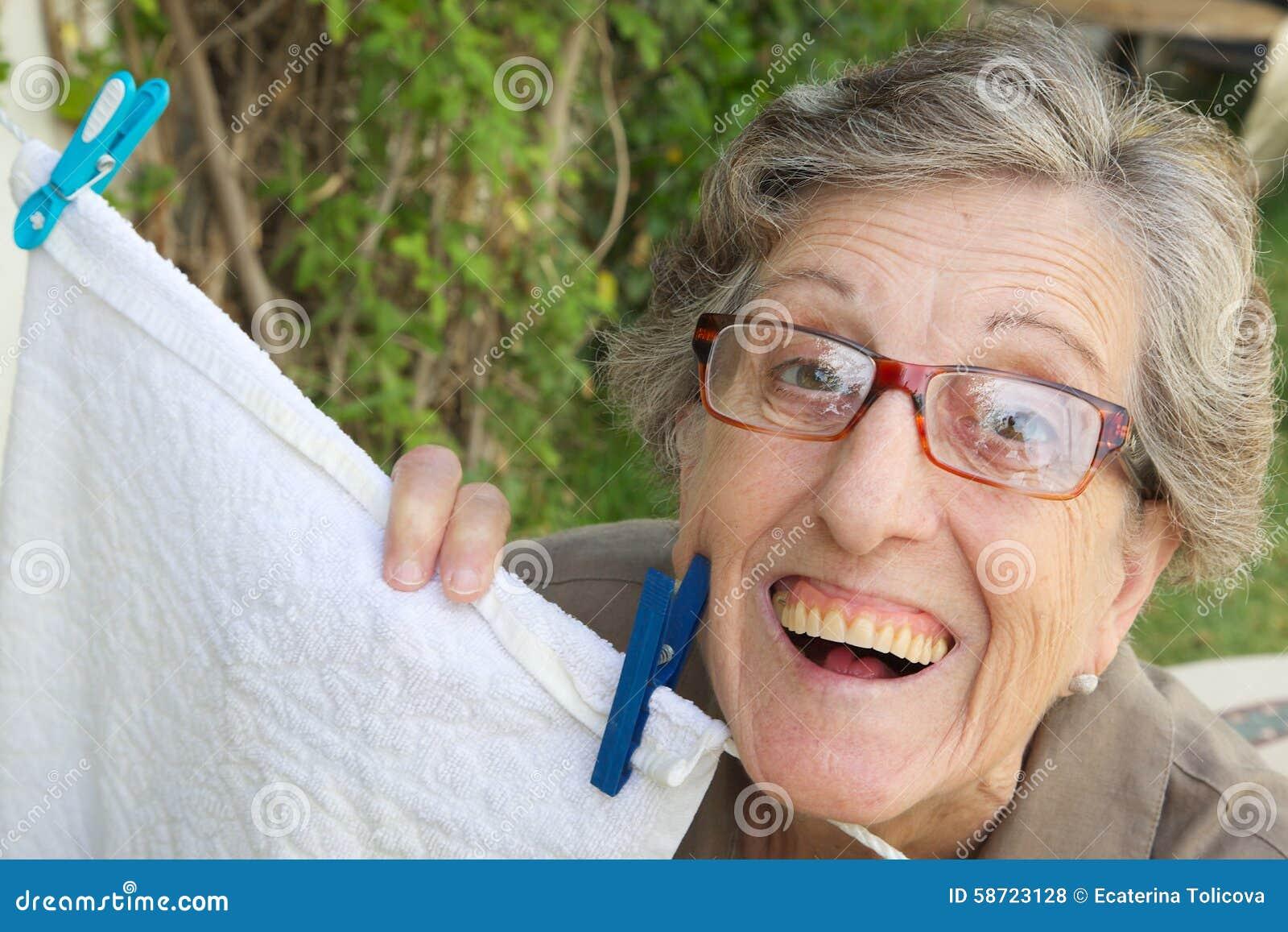 Image d'une vieille femme