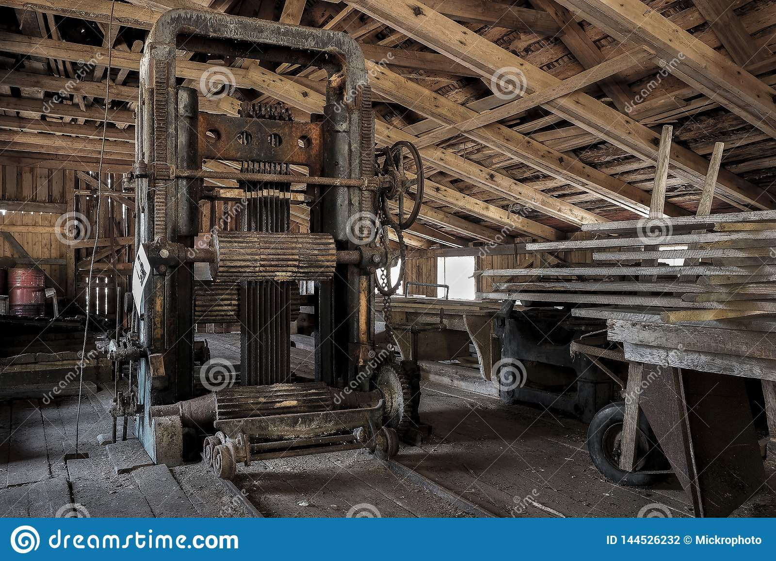 Une vieille scierie en Suède