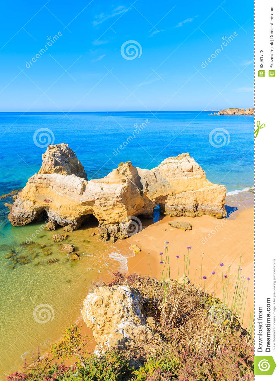 Download Une Vue D'une Plage Du DA Rocha De Praia Photo stock - Image du europe, compartiment: 63081778