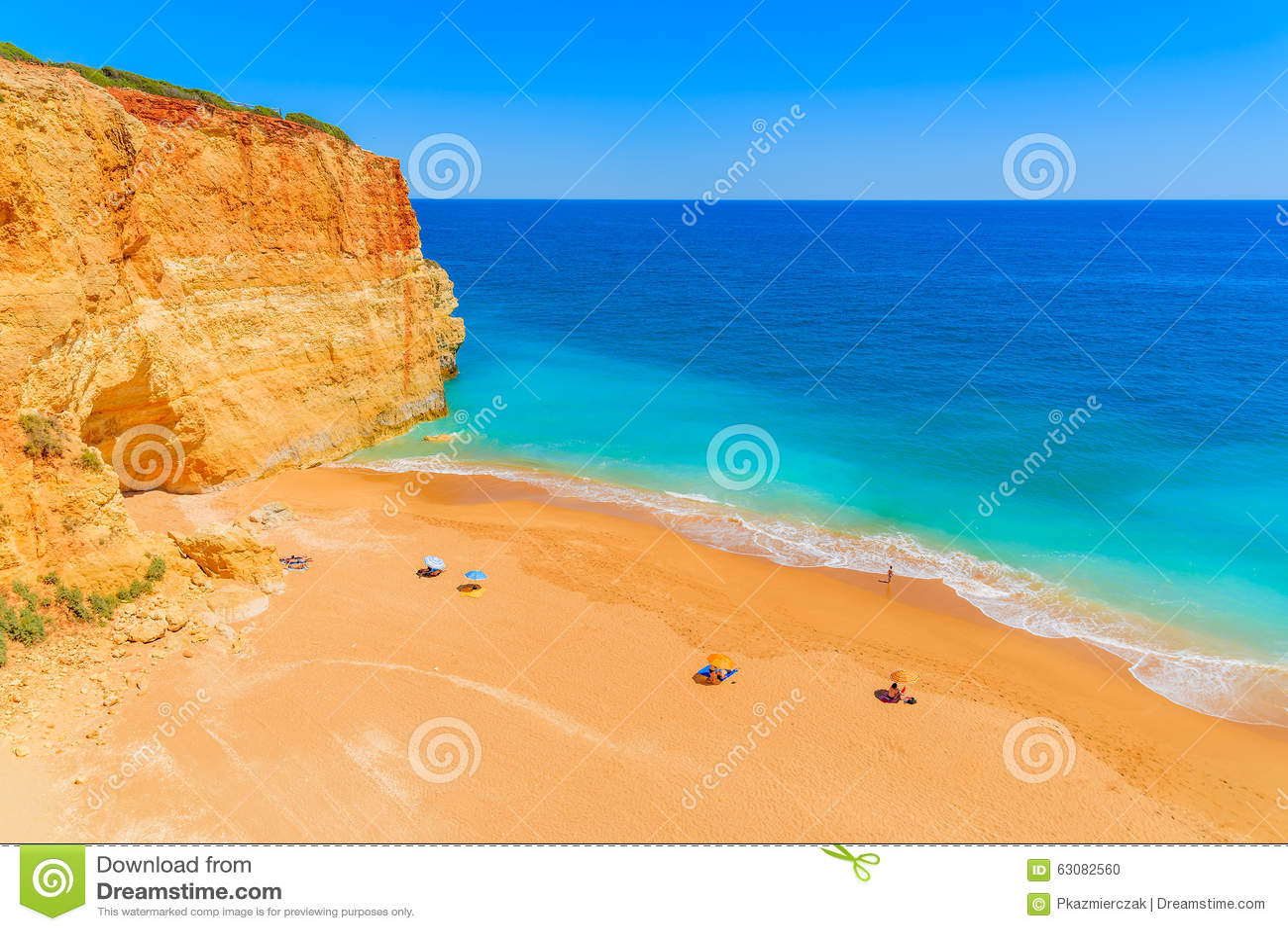 Download Une Vue De Belle Plage Arénacée De Benagil Photo stock - Image du lagos, idyllique: 63082560