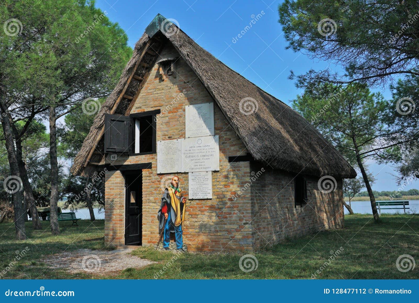 Une vue externe de la hutte de Garibaldi