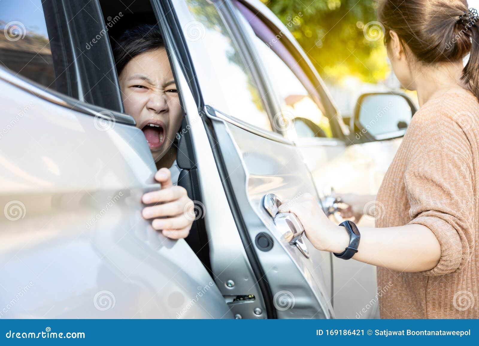Mädchen Getting Fingered Die Auto