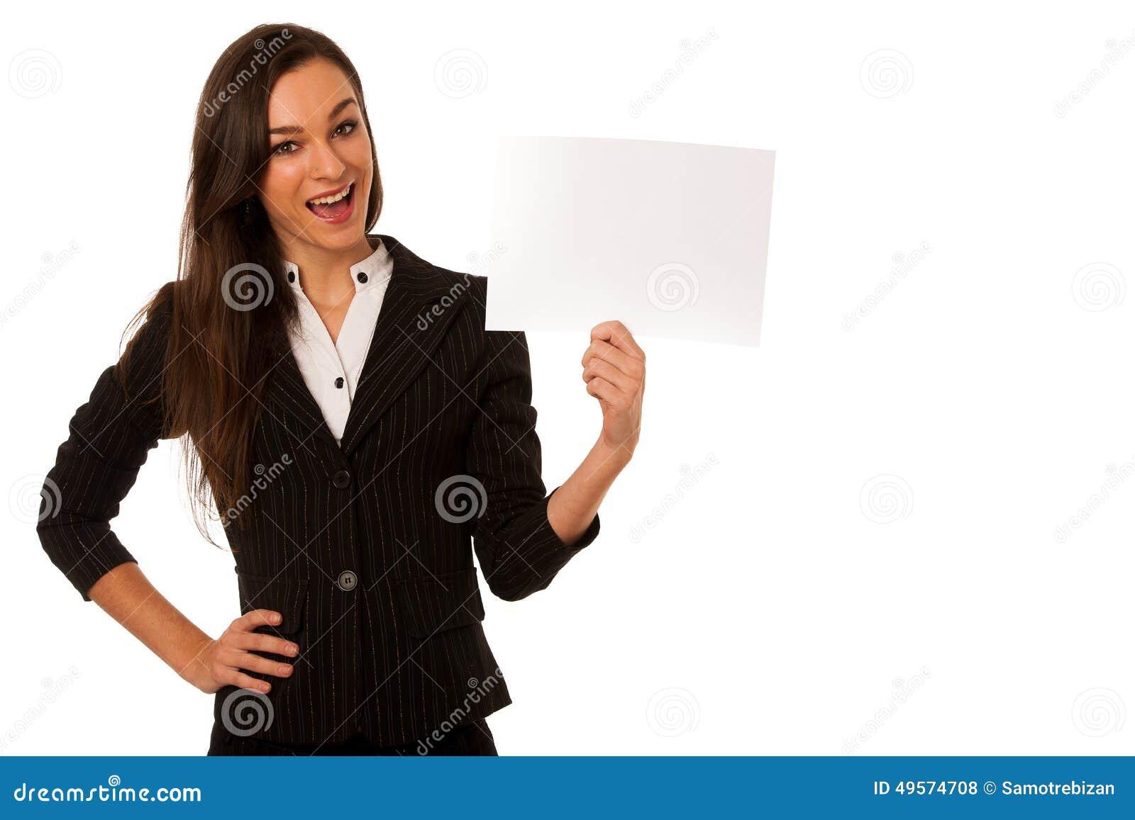 Ung affärskvinna som pekar för att kopiera utrymme som visar en produkt I