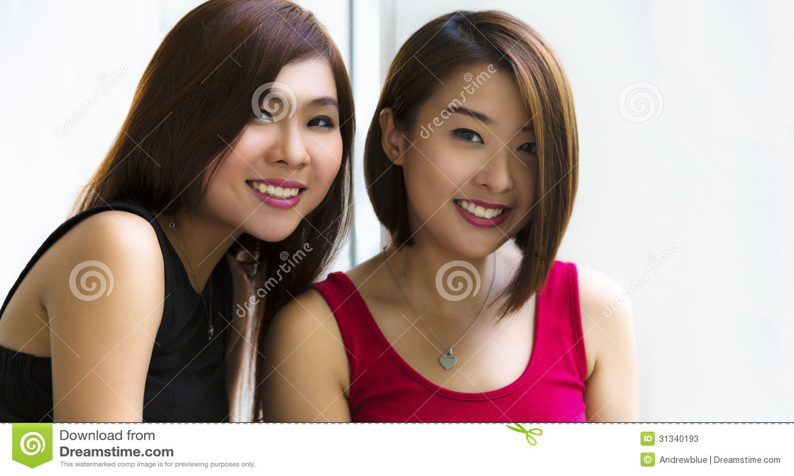 Ung asiatisk damtoalett