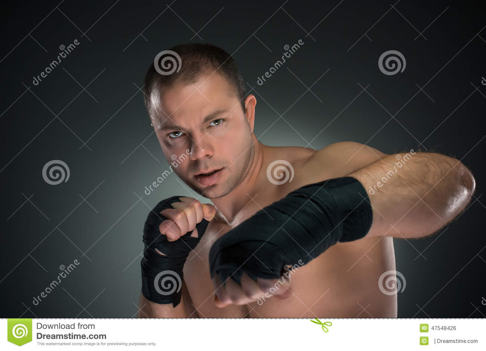 Ung boxareboxning