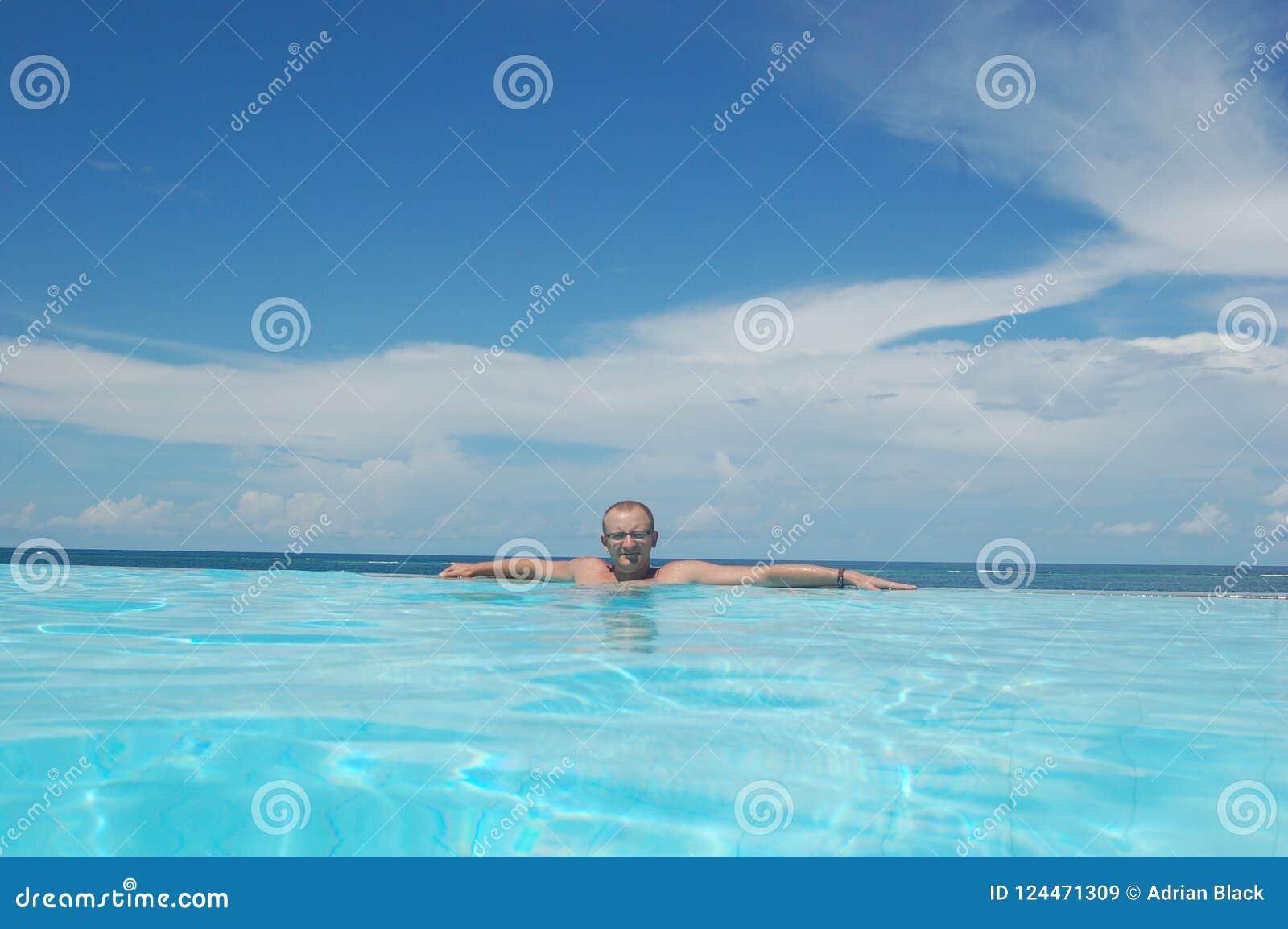 Ung man på ferie