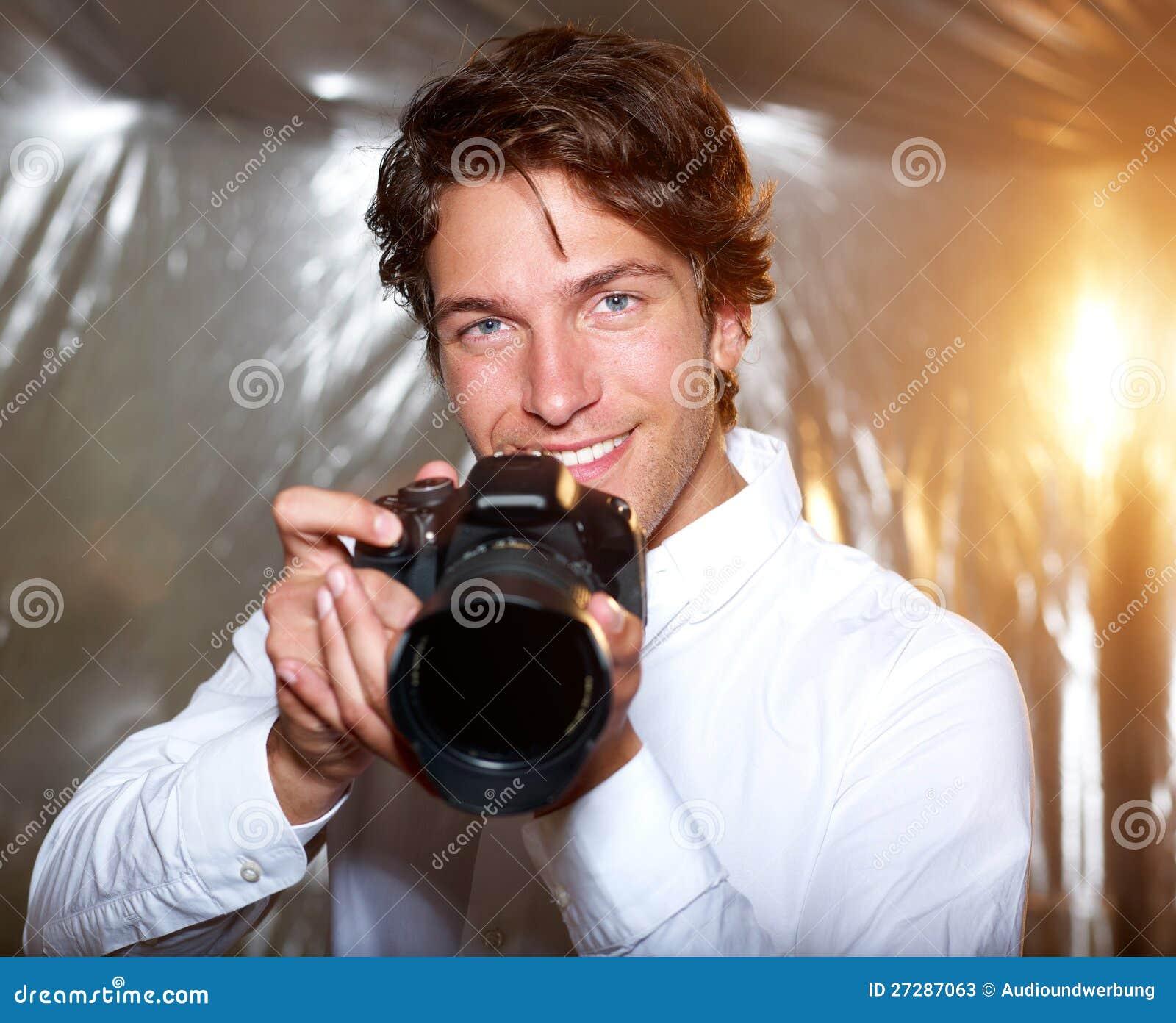 Ung stilig fotograf