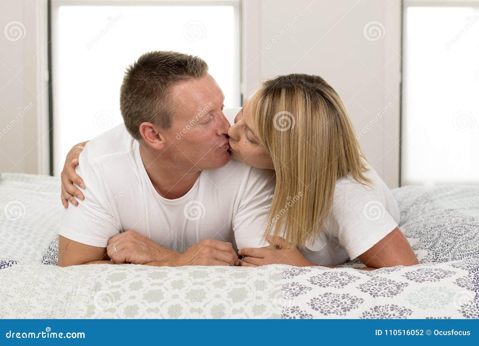Dating en 40 år gammal kvinna smek månad fas dating