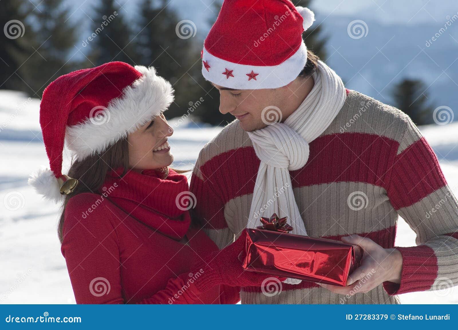 Unga par på snowen