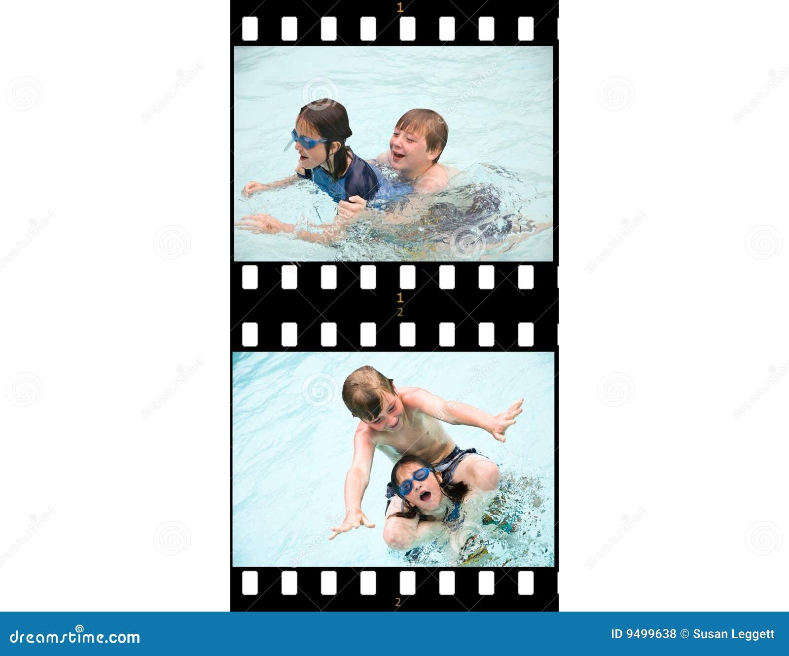 Ungar för uppgiftsfilm river av simning