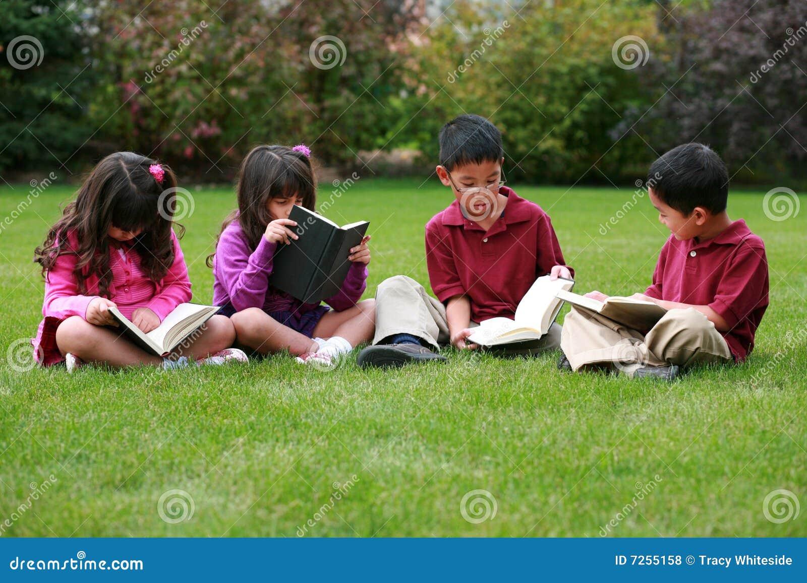 Ungar utanför avläsning