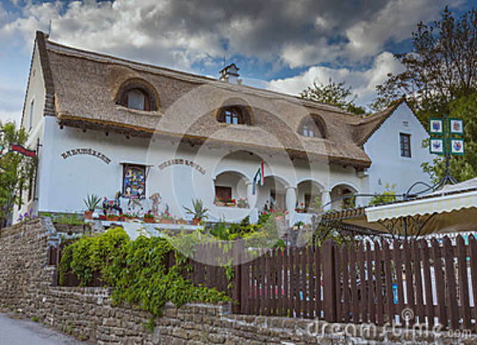 Ungersk traditionell arkitekturstil i byn Tihany