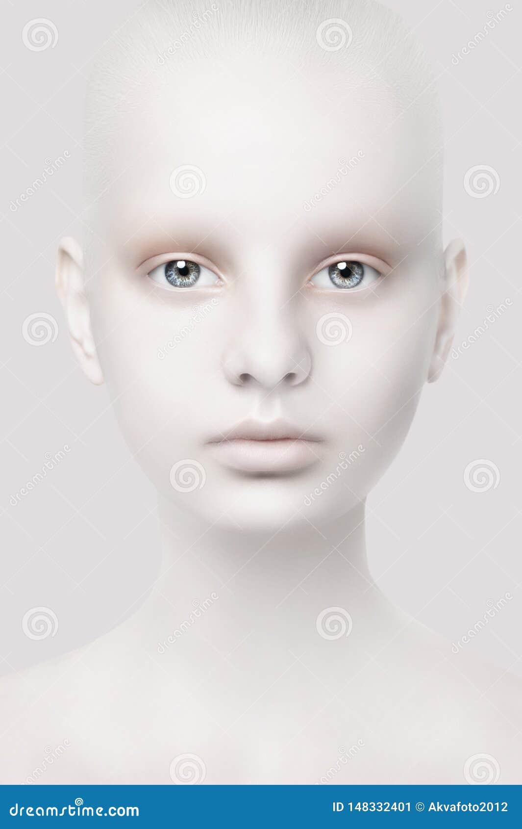 Ungewöhnliches Porträt eines jungen Mädchens Fantastischer Auftritt Wei?e Haut Hauptnahaufnahme