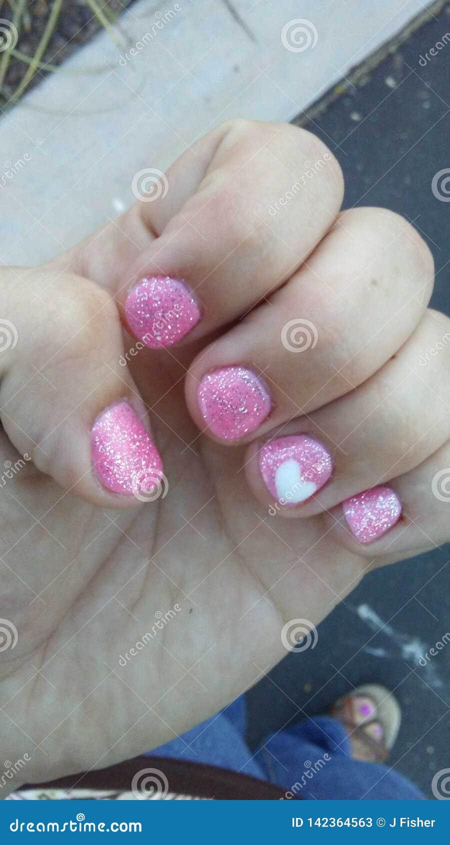Unghie dipinte rosa