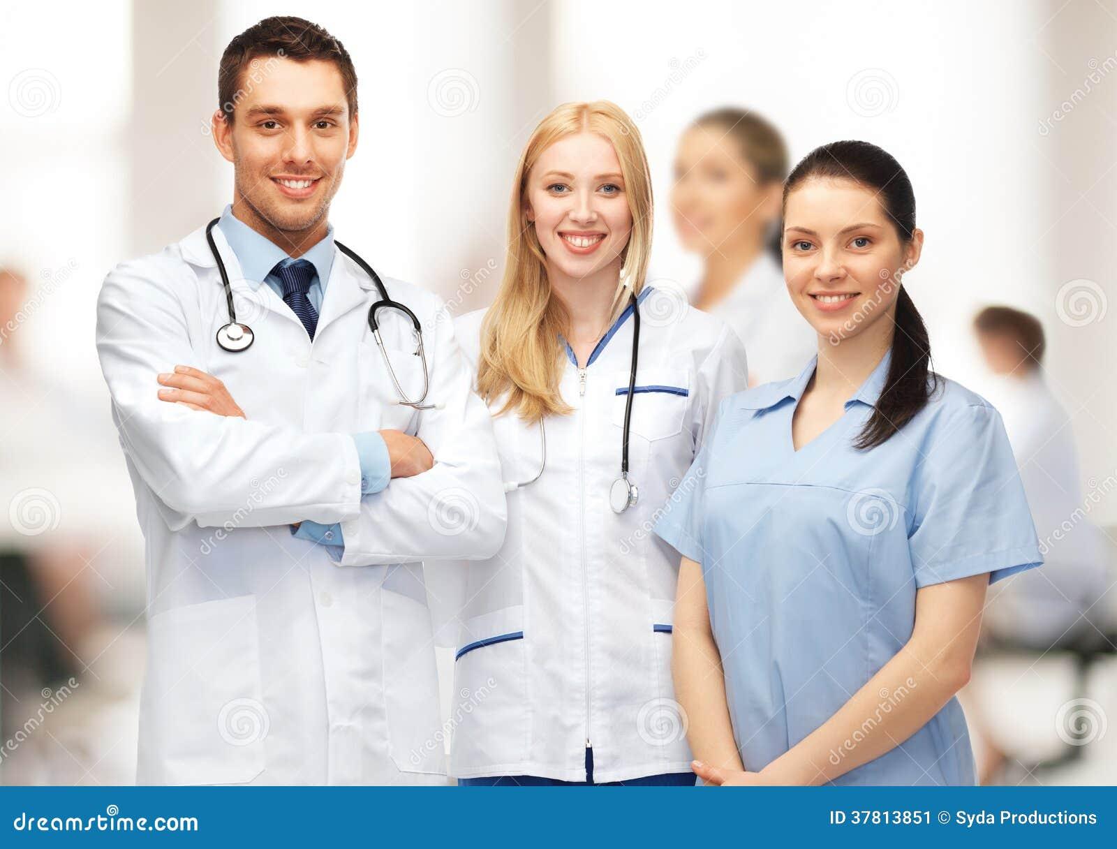 Ungt lag eller grupp av doktorer
