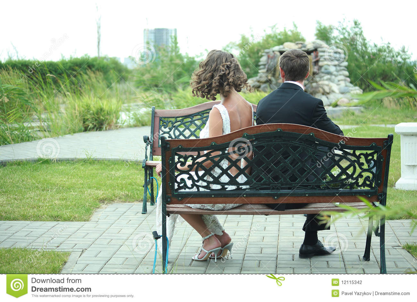 Unhappy newlywed couple