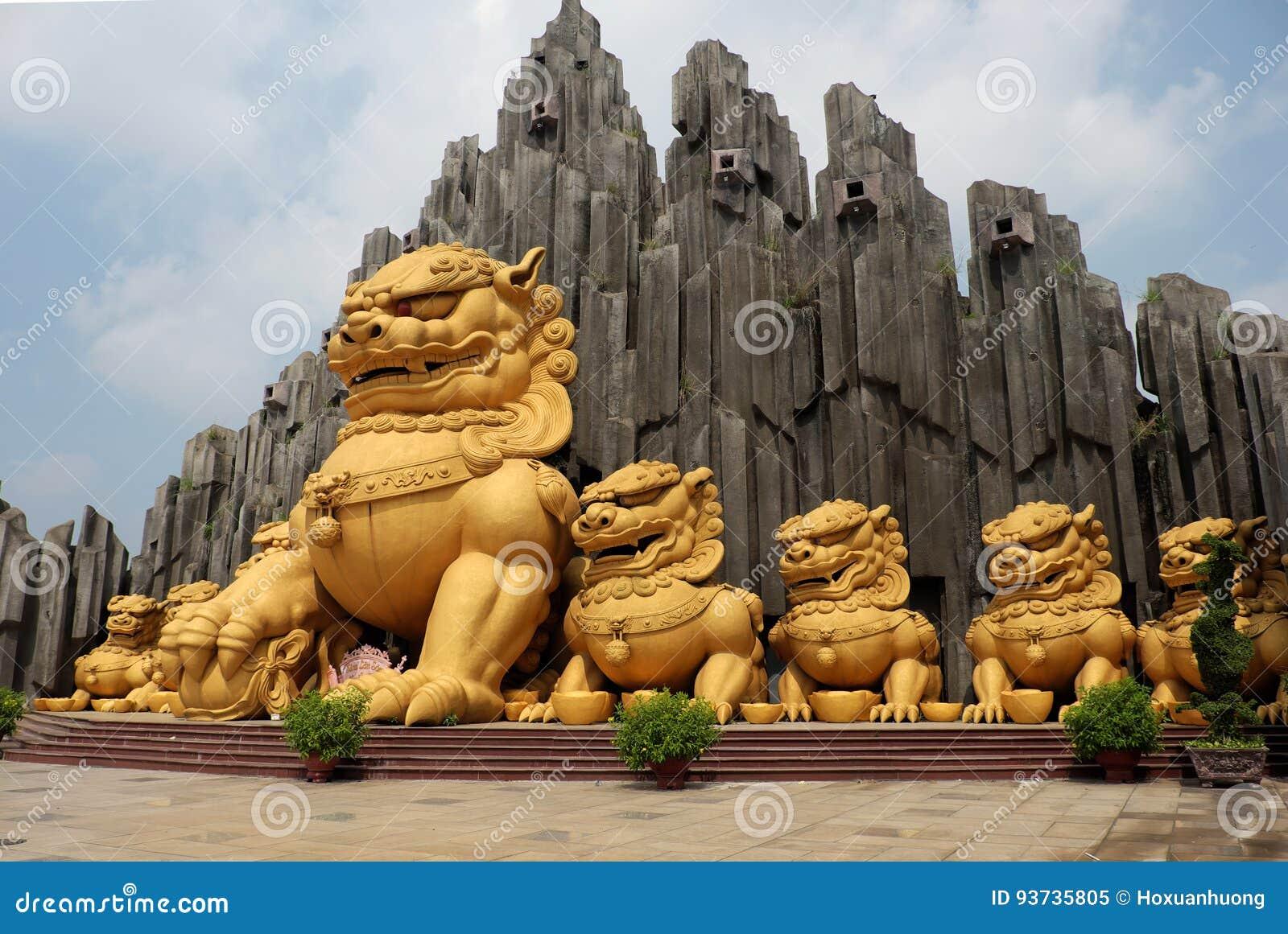 Unicórnio na área de turista de Suoi Tien