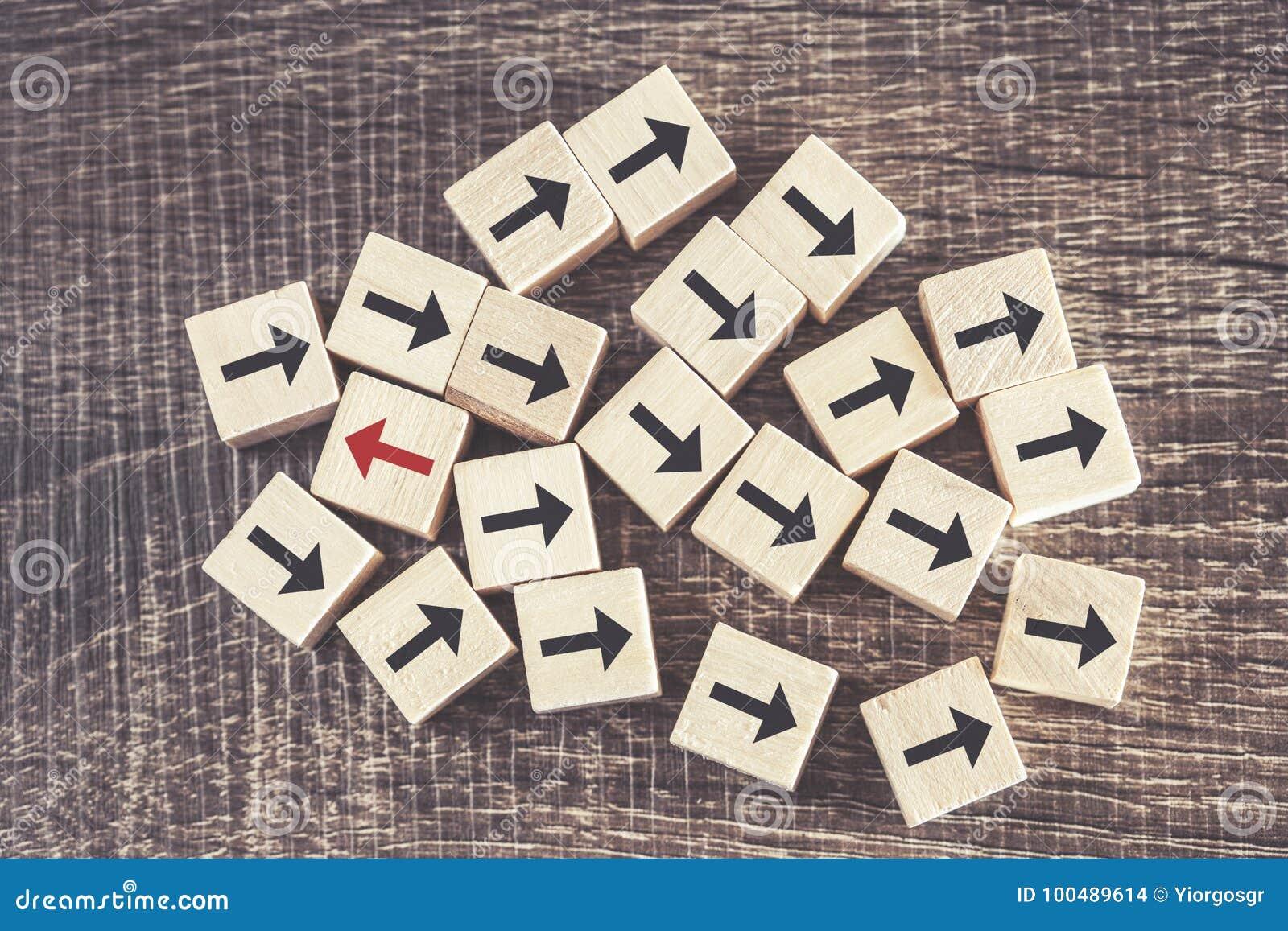 Unicité, différence, individualité et position du concept de foule