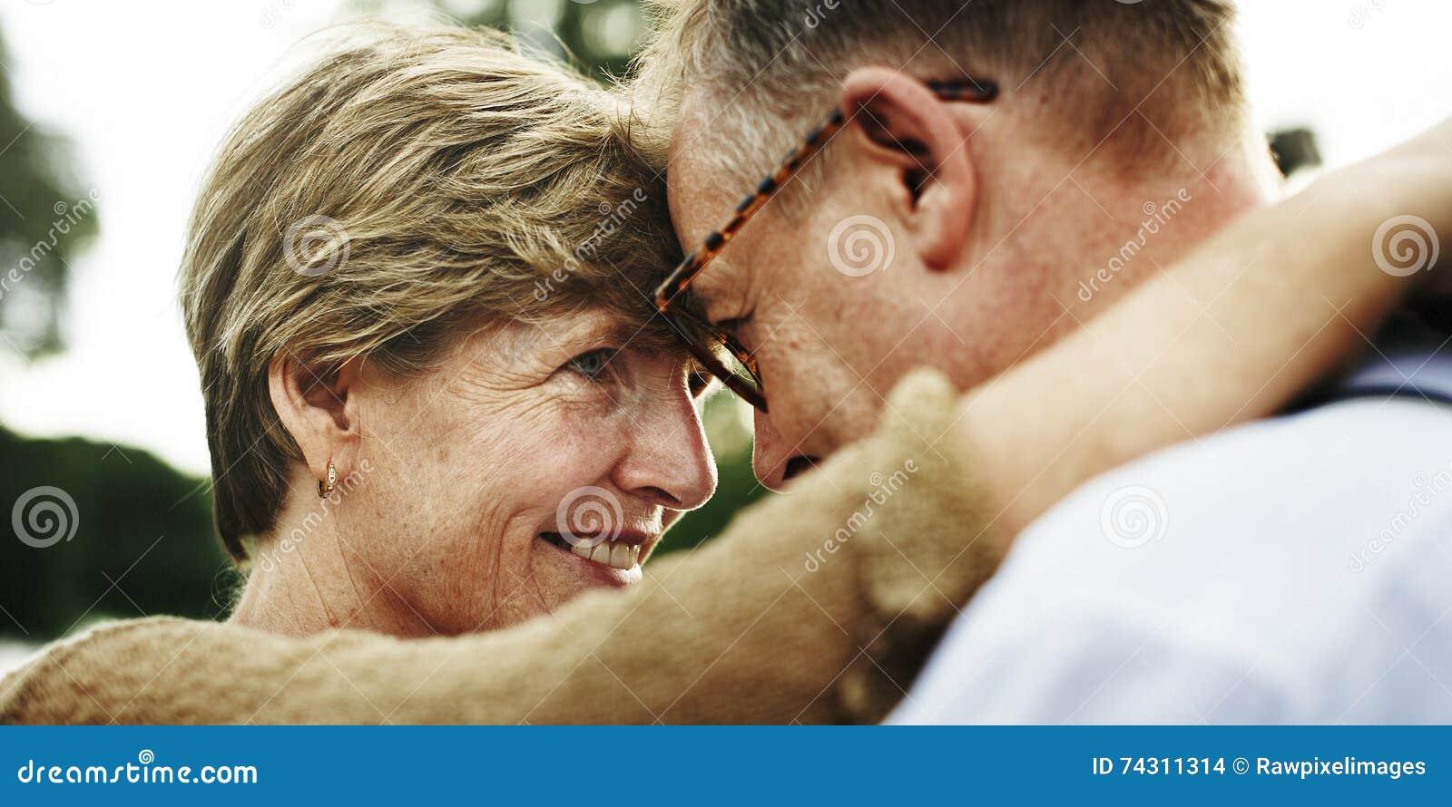 Unidade dos pares que data o conceito do amor do abrandamento