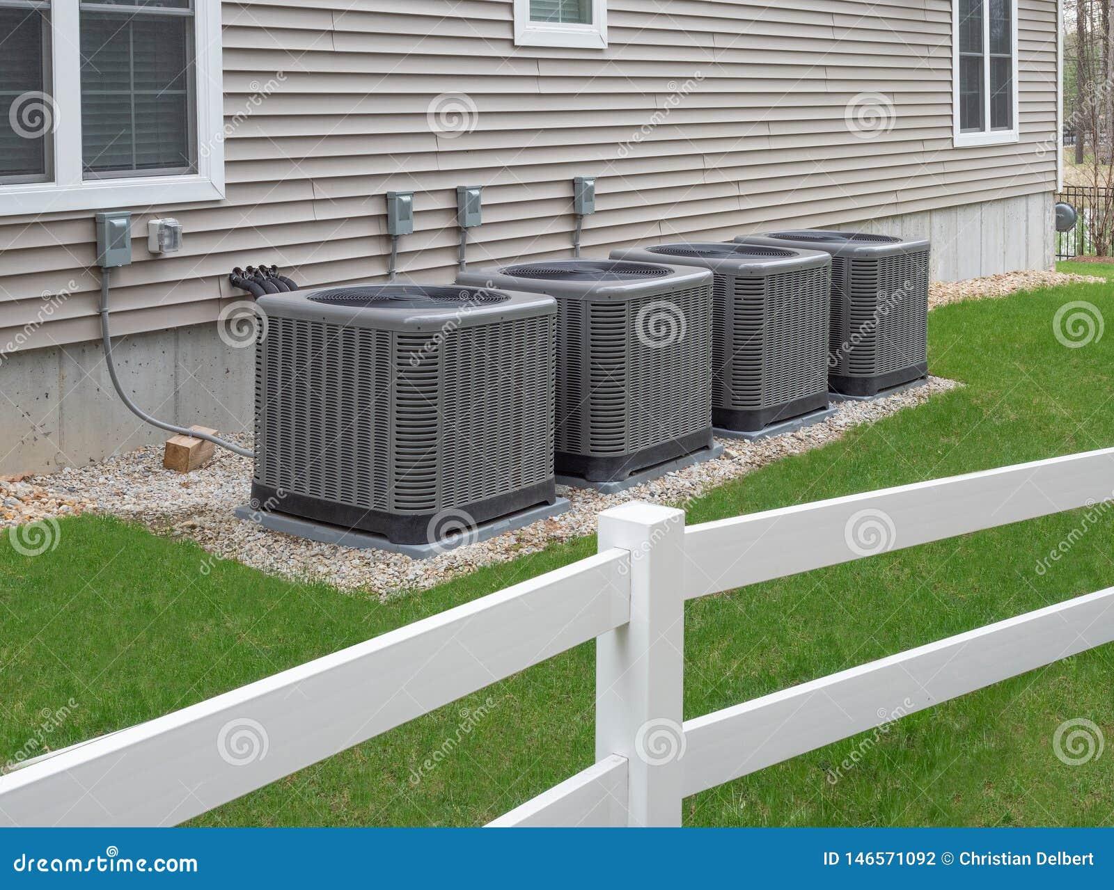 Unidades exteriores da bomba do condicionamento de ar e de calor