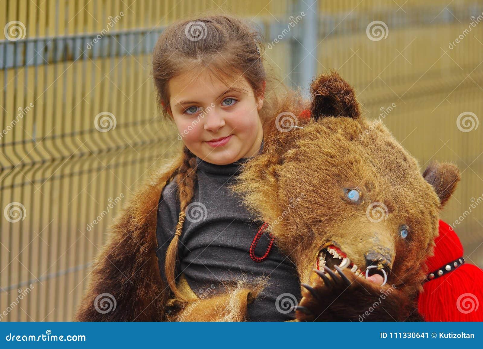 Have bear dance grls were