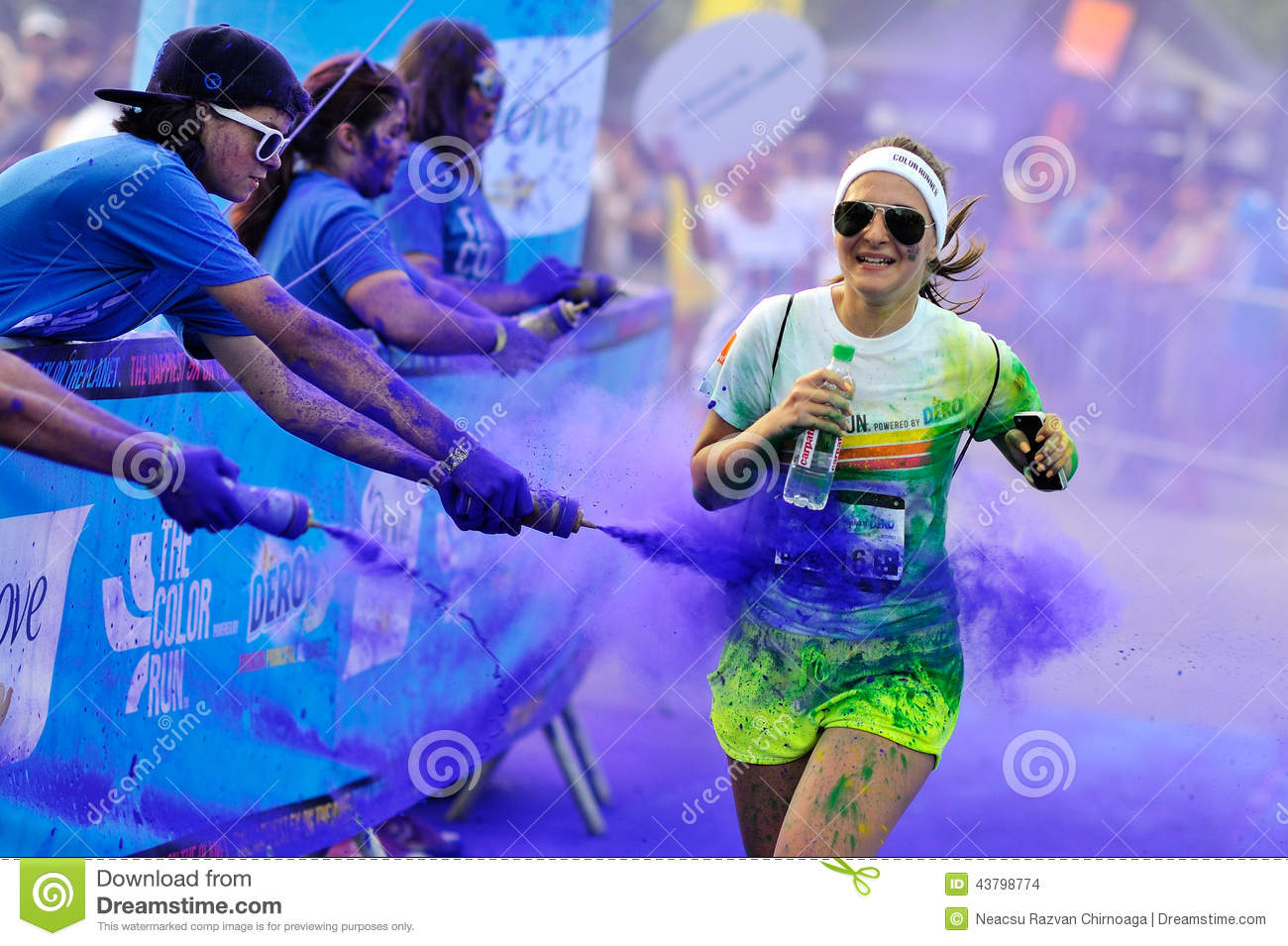 - JULY 26: Crowds of unidentified people at The Color Run on July ...