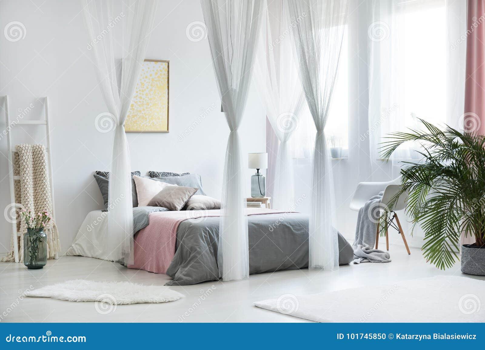 Unikalny Baldachim Sypialni Wnętrze Zdjęcie Stock Obraz