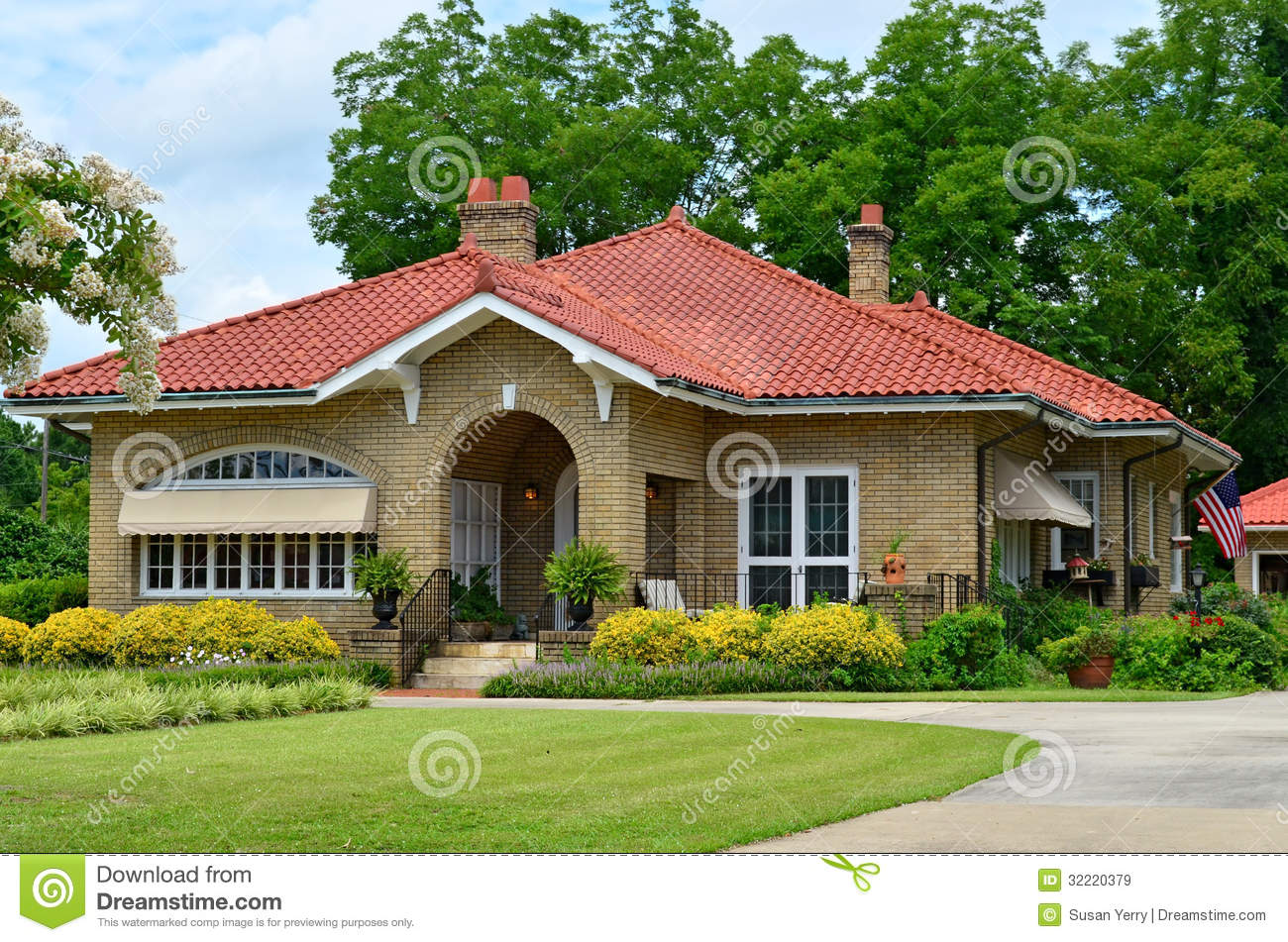 Unique American Home Country Cottage Royalty Free Stock