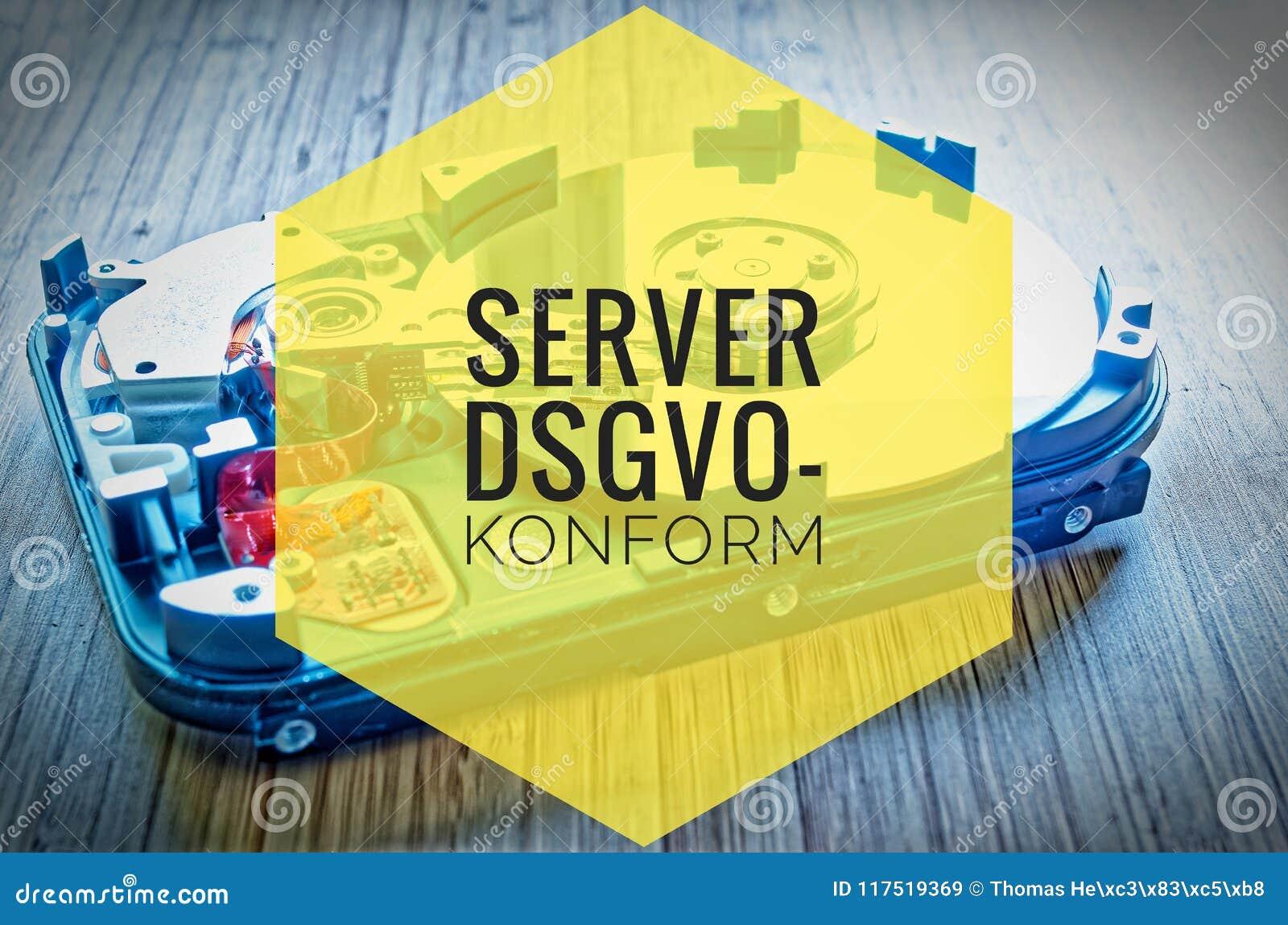 Unité de disque dur 3 5 pouces comme stockage de données avec la carte mère sur une table en bambou et dans le dsgvo-konform alle