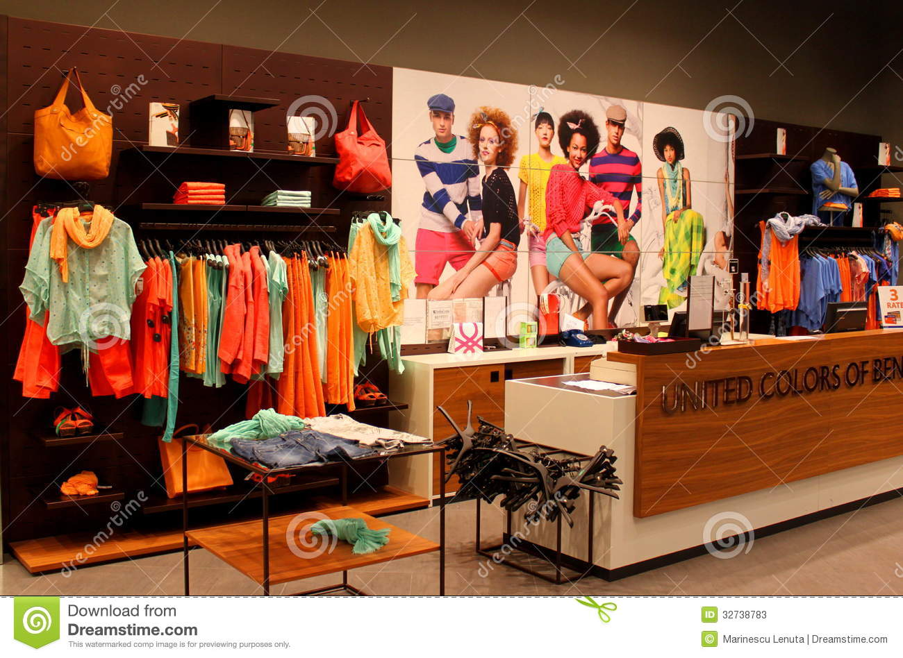 Fashion Clothes Store Women s fashion clothing store