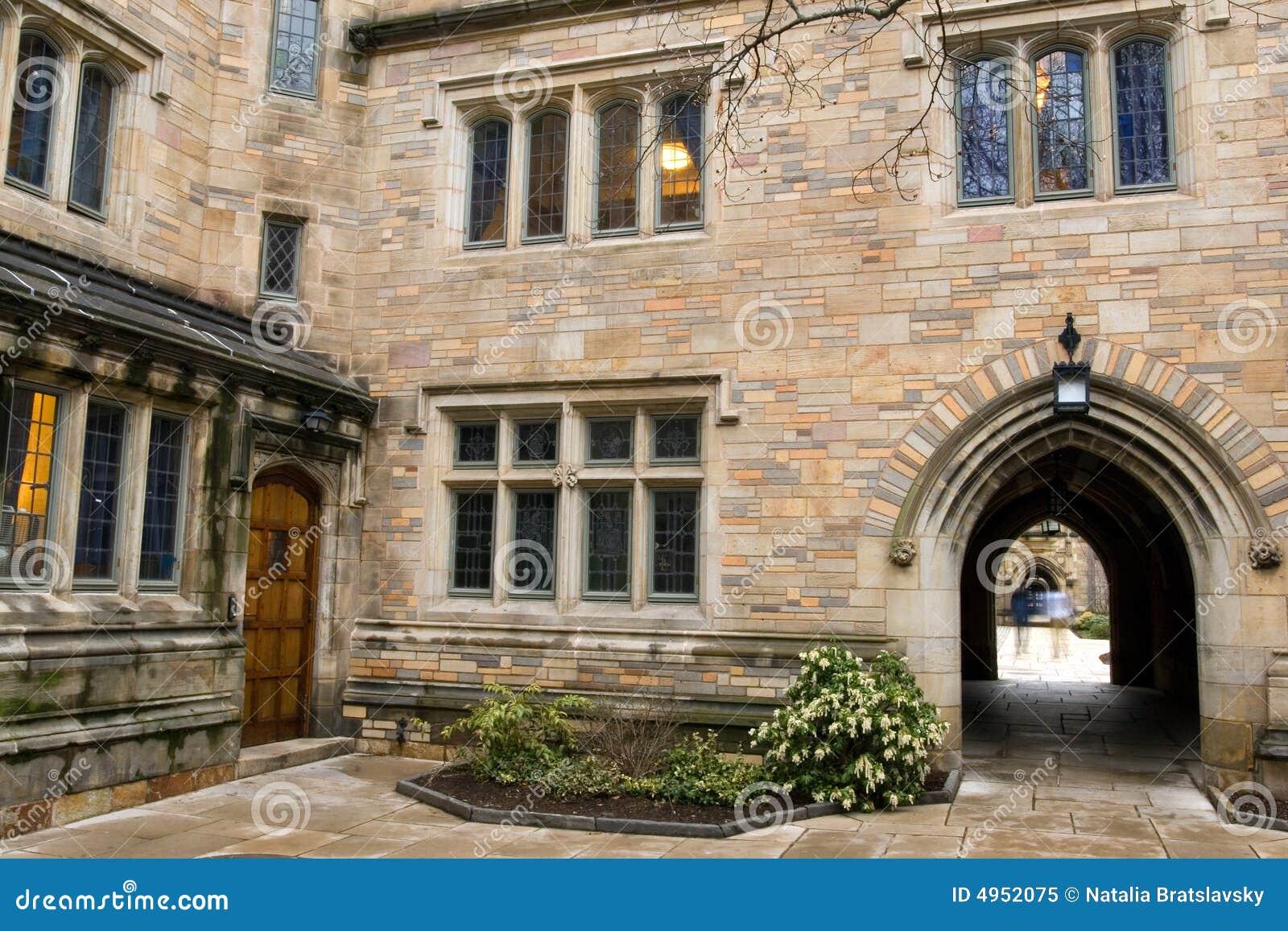 Universitetar yale