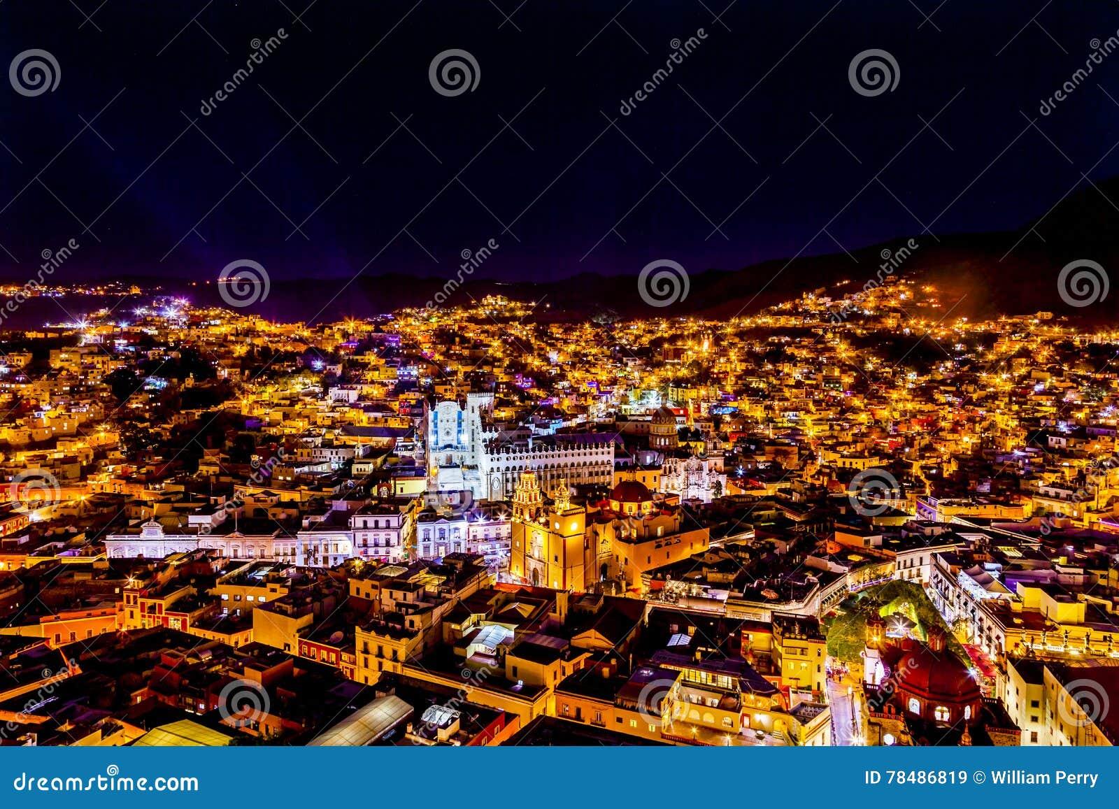 Uniwersytecki Świątynny Companiia Nasz damy noc Guanajuato Meksyk