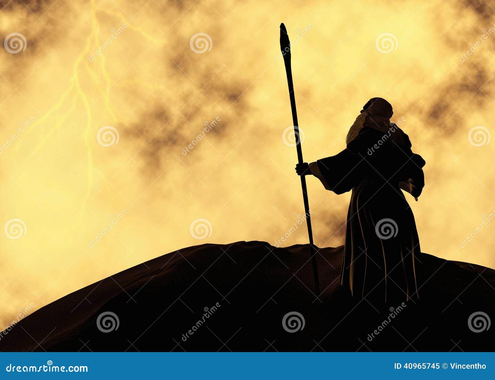 Uno stregone anziano sopra una fantasia della montagna