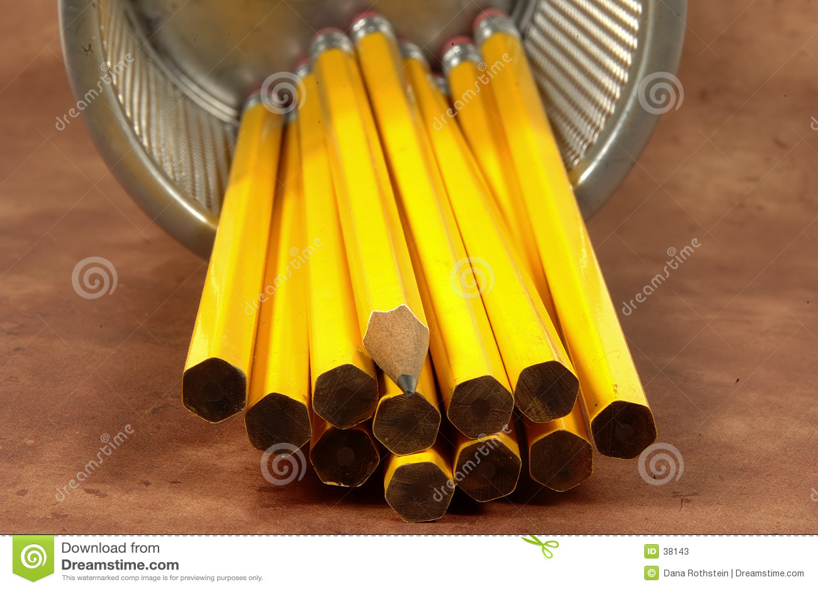 Unsharpened 3支的铅笔