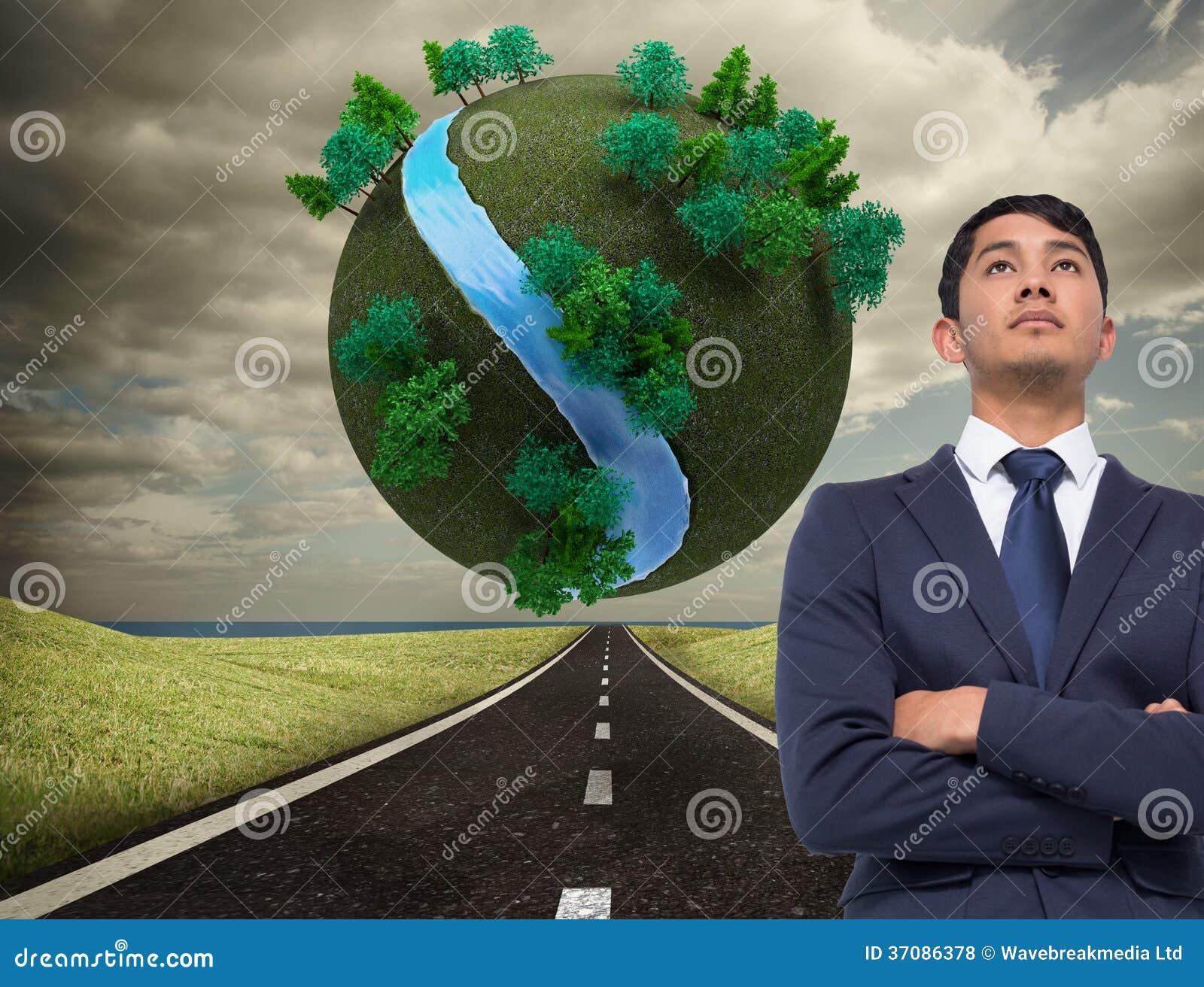 Download Unsmiling Azjatykci Biznesmen Z Rękami Krzyżować Zdjęcie Stock - Obraz złożonej z kierunek, przedni: 37086378